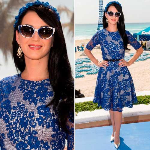 Modelos de Vestidos de renda curto azul