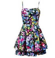 Vestido casual florido curto