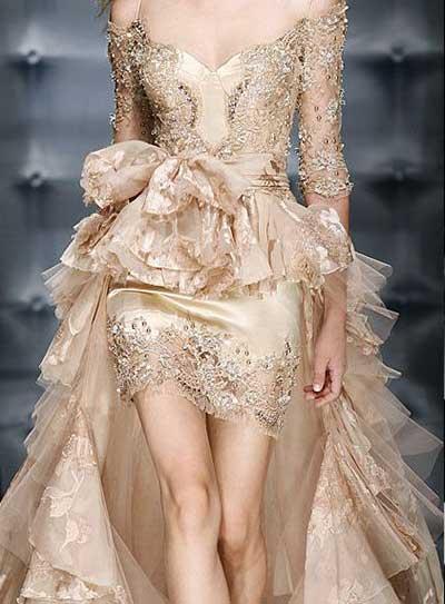 mulheres de vestidos
